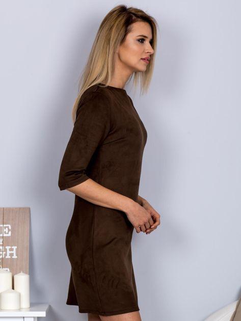 Sukienka o zamszowej fakturze ciemnobrązowa                                  zdj.                                  3