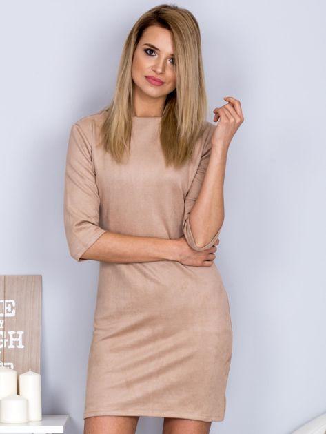 Sukienka o zamszowej fakturze jasnobeżowa                              zdj.                              1