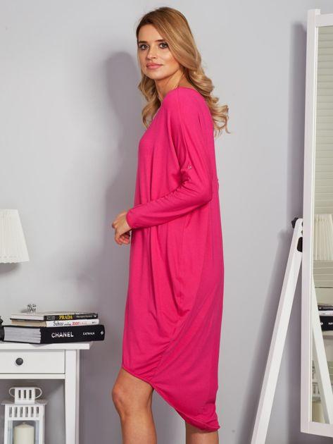 Sukienka oversize z dłuższym tyłem malinowa                              zdj.                              3