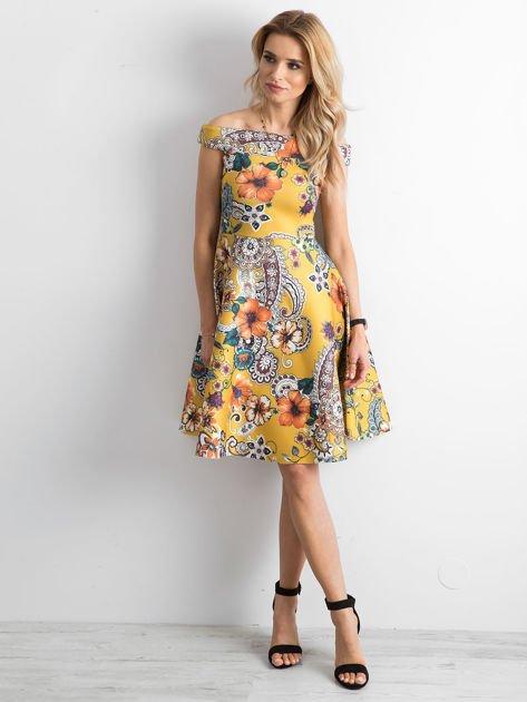 Sukienka w kwiaty rozkloszowana ciemnożółta                                  zdj.                                  1
