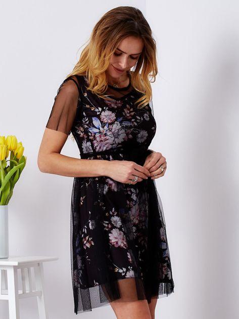 Sukienka warstwowa z kwiatowym motywem czarna                              zdj.                              5
