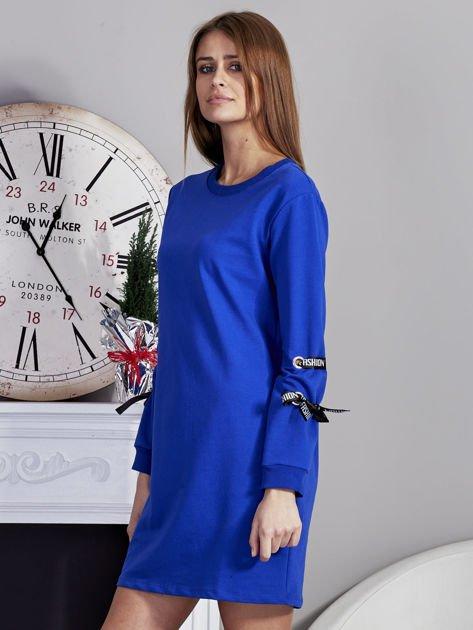 Sukienka z tasiemkami przy mankietach kobaltowa                              zdj.                              3