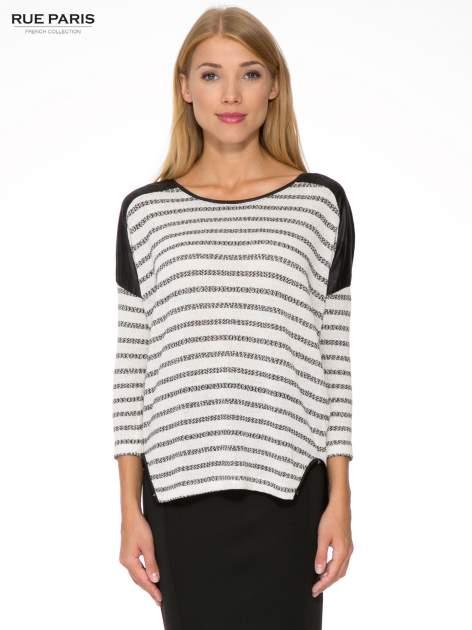 Sweter w ecru-czarne paski ze wstawkami na ramionach imitującymi skórę                                  zdj.                                  1