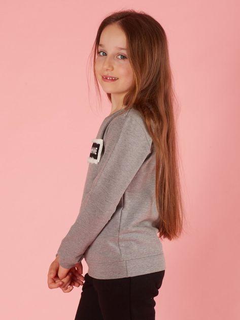 Szara bluza dziewczęca z futrzaną aplikacją                              zdj.                              3