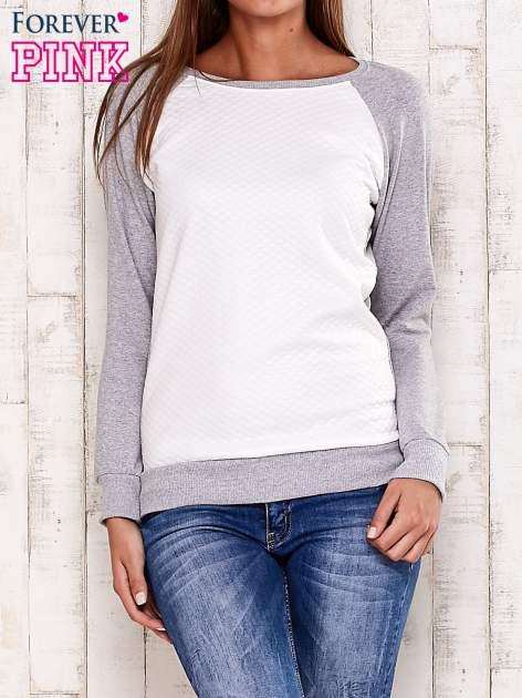 Szara bluza z białą pikowaną wstawką