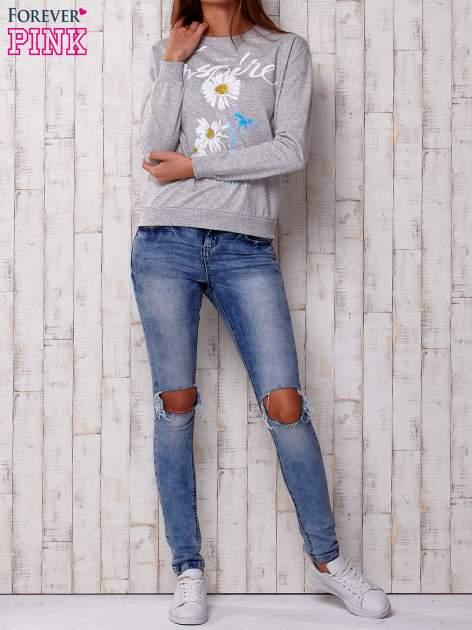 Szara bluza z nadrukiem kwiatowym i napisem                                  zdj.                                  2