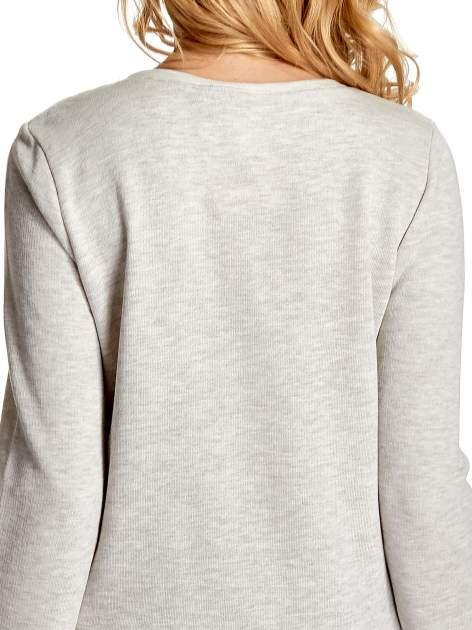 Szara bluza z nadrukiem róży                                  zdj.                                  6