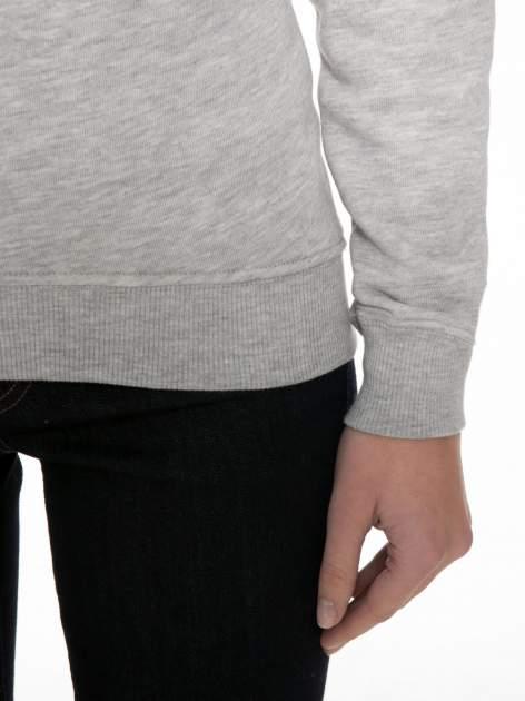 Szara bluza z reglanowymi rękawami i nadrukiem MAGNIFIQUE                                  zdj.                                  6