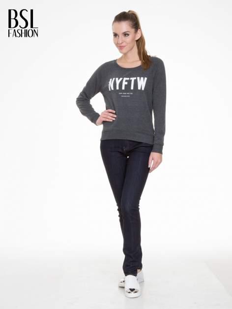 Szara bluza z reglanowymi rękawami i napisem NYFTW                                  zdj.                                  2