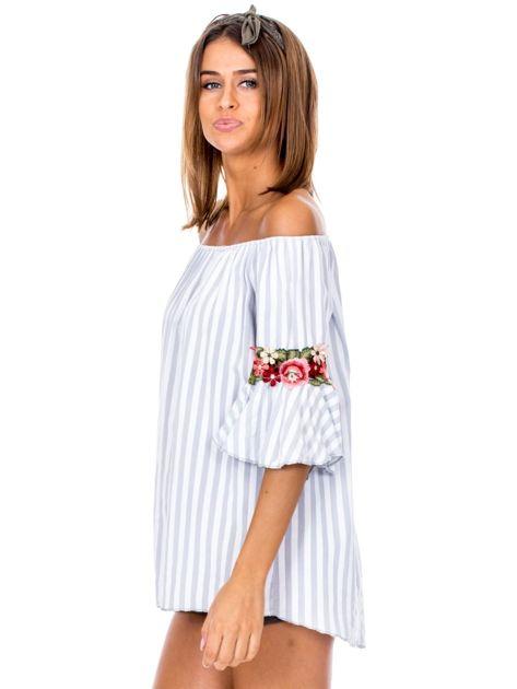 Szara bluzka hiszpanka w paski z kwiatowymi wstawkami                              zdj.                              5