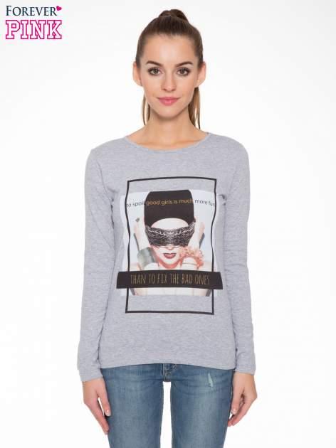 Szara bluzka z portretem kobiety i napisem GOOD GIRLS...                                  zdj.                                  1