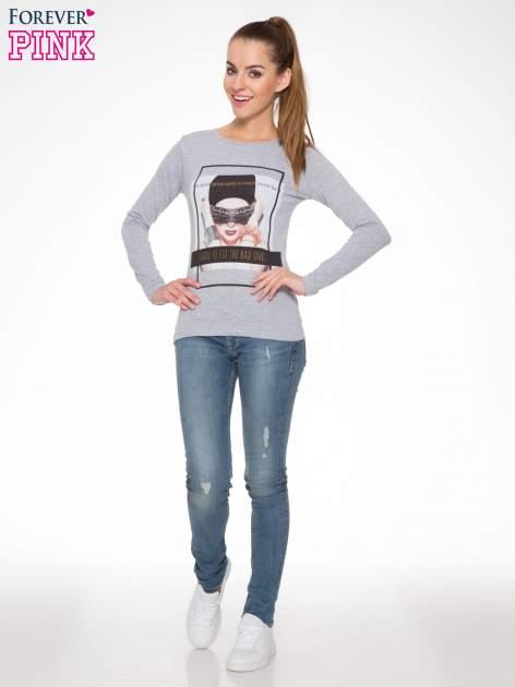 Szara bluzka z portretem kobiety i napisem GOOD GIRLS...                                  zdj.                                  2