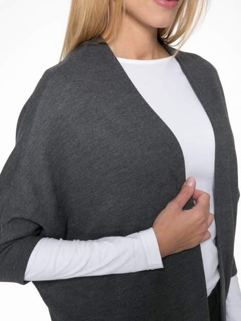 Szara dresowa bluza narzutka z kimonowymi rękawami 3/4                                  zdj.                                  5