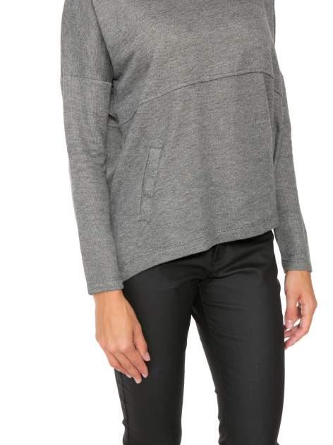 Szara dresowa bluza oversize z kieszeniami                                  zdj.                                  7