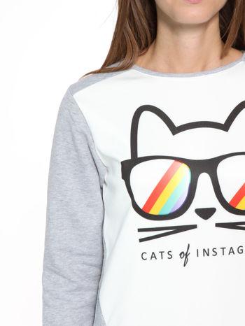Szara dresowa bluza z kotem z motywem Instagrama                                  zdj.                                  6