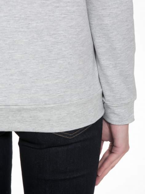 Szara dresowa bluza z nadrukiem królika                                  zdj.                                  9