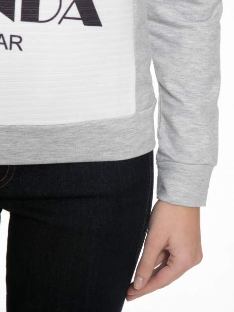 Szara dresowa bluza z nadrukiem pandy                                  zdj.                                  6