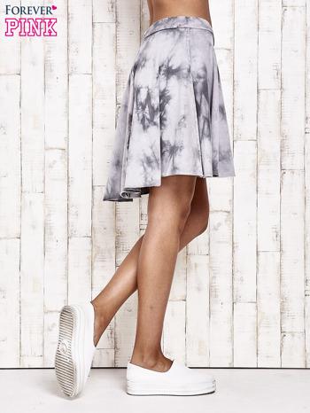 Szara dresowa spódnica szyta z koła z efektem  tie-dye                                  zdj.                                  4