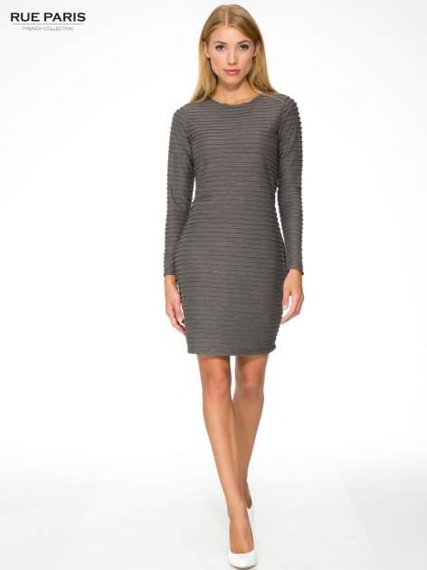 Szara dresowa sukienka w prążkowany wzór                                  zdj.                                  2