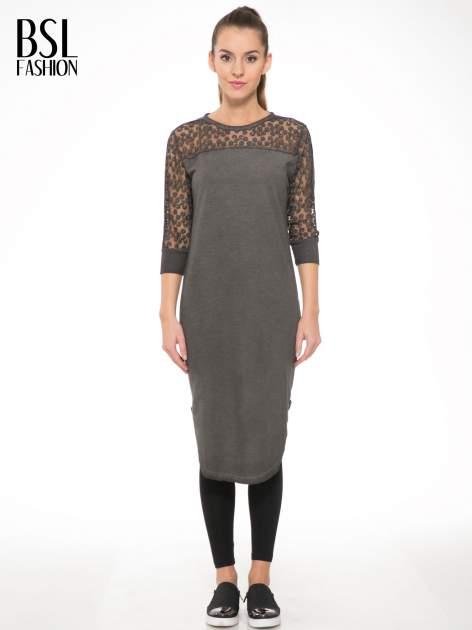 Szara dresowa sukienka z koronkowym karczkiem                                  zdj.                                  1