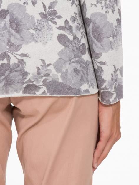 Szara kwiatowa bluza z napisem VOILÀ przeplatana błyszczącą nicią                                  zdj.                                  7