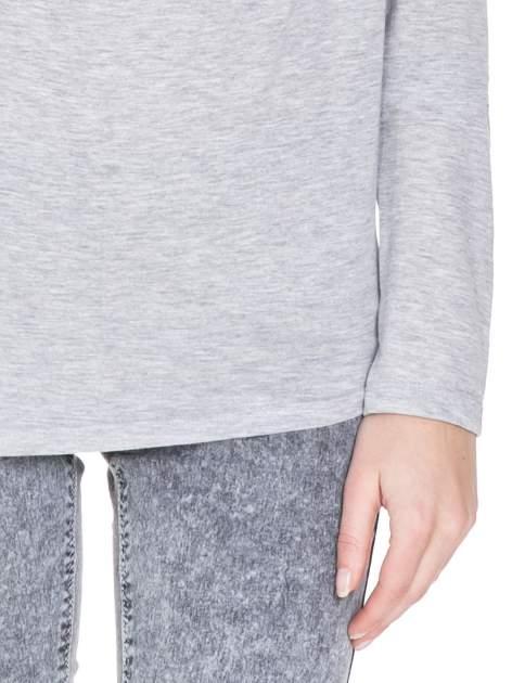 Szara melanżowa bawełniana bluzka z dekoltem typu woda                                  zdj.                                  6