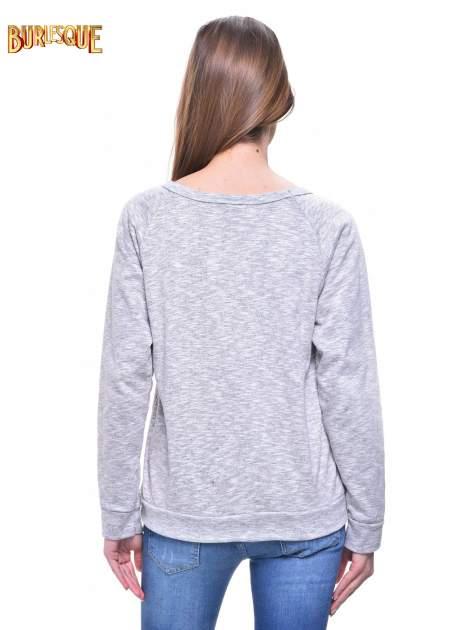 Szara melanżowa damska bluza z napisem HAVE FUN IN PARIS, NEW YORK, LONDON, MILAN                                  zdj.                                  4