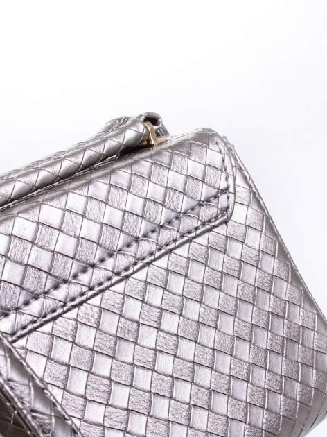 Szara pikowana mini torebka kuferek w stylu retro                                  zdj.                                  9