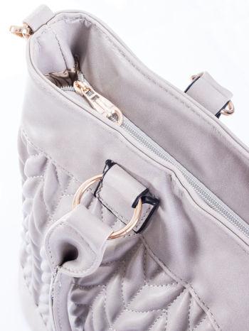 Szara pikowana torba na ramię                                  zdj.                                  7