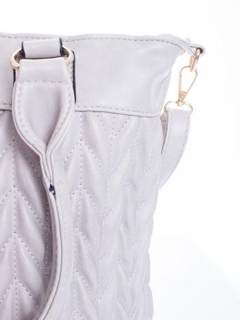 Szara pikowana torba na ramię                                  zdj.                                  10