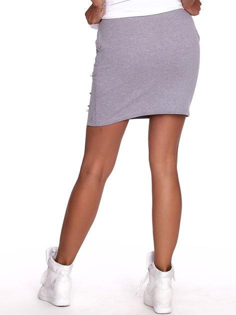 Szara spódnica dresowa z perełkami i kieszeniami                              zdj.                              2