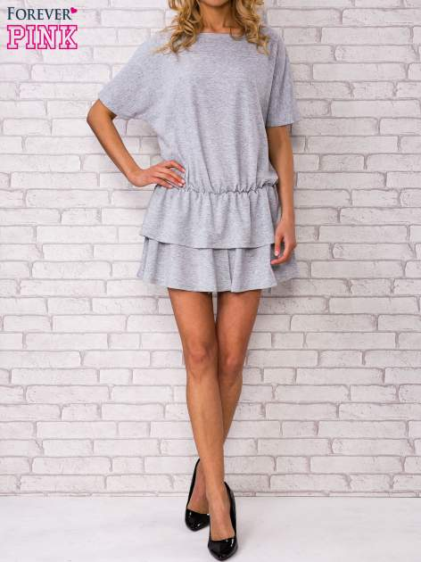 Szara sukienka dresowa z podwójną falbaną                                  zdj.                                  5