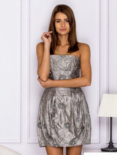 Szara sukienka w ornamentowy wzór                                   zdj.                                  1