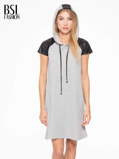 Szara sukienka z kapturem z wstawkami ze skóry                                  zdj.                                  6