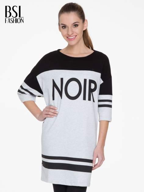 Szara sukienka z napisem NOIR w stylu sportowym