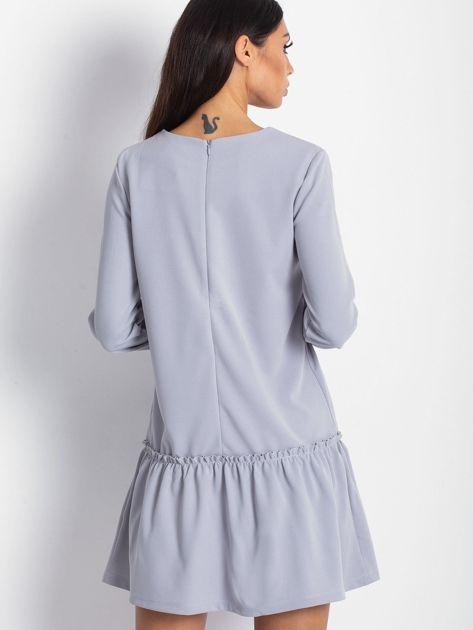 Szara sukienka z obniżonym stanem                              zdj.                              2