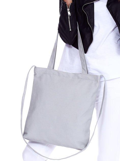 3f3f41b081d5a Szara torba bawełniana z motywem kobiety i dzetami - Akcesoria torba ...