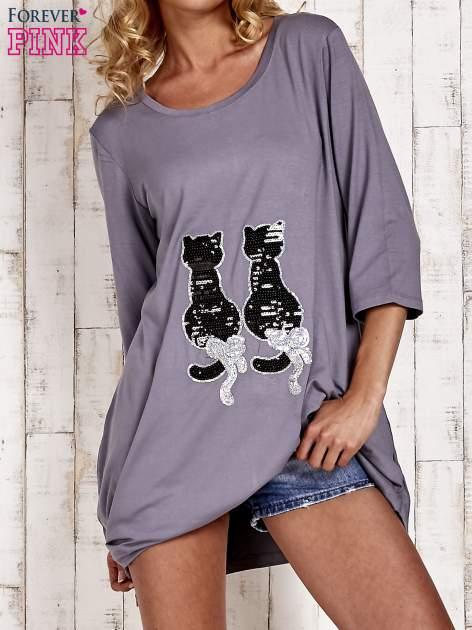 Szara tunika dresowa z aplikacją kotów z cekinów                                  zdj.                                  1