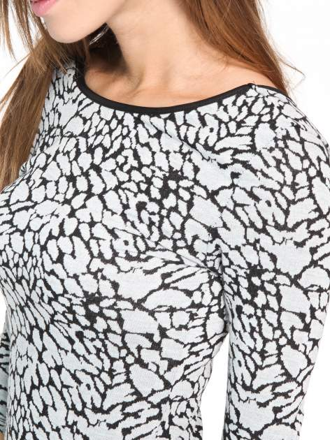 Szara wzorzysta sukienka maxi z rękawem 3/4                                  zdj.                                  8