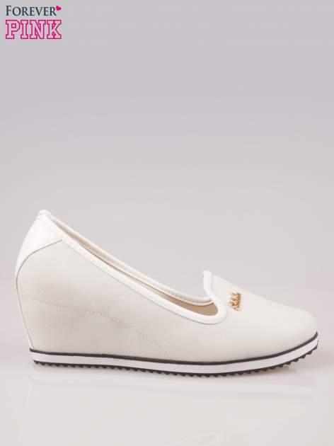 Szare casualowe koturny faux leather Whimsy z białą lamówką                                  zdj.                                  1