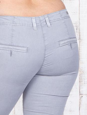 Szare materiałowe spodnie z przednimi kieszeniami PLUS SIZE                                  zdj.                                  5
