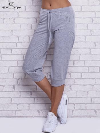 Szare spodnie capri z wszytą kieszonką                                  zdj.                                  1