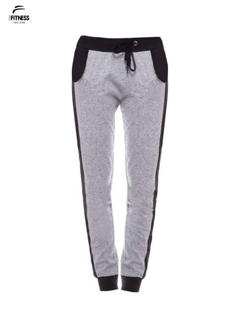 Szare spodnie dresowe damskie z kontrastowymi lampasami po bokach                                  zdj.                                  2