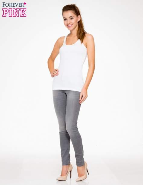 Szare spodnie jeansowe rurki z lekkim cieniowaniem                                  zdj.                                  2
