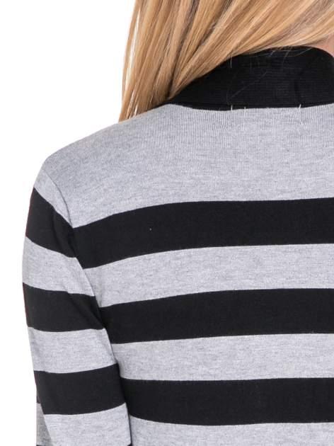 Szaro-czarny pasiasty otwarty sweter kardigan z prążkowanym kołnierzem                                  zdj.                                  7