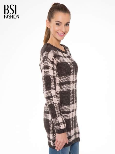 Szaro-różowy długi sweter w kratę                                  zdj.                                  3