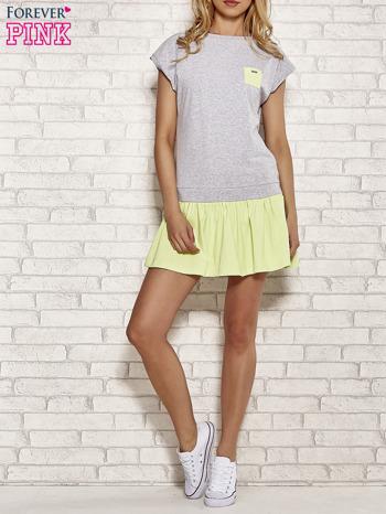 Szaro-zielona dresowa sukienka tenisowa z kieszonką                                  zdj.                                  2