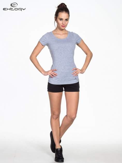 Szary damski t-shirt sportowy basic PLUS SIZE                                  zdj.                                  2