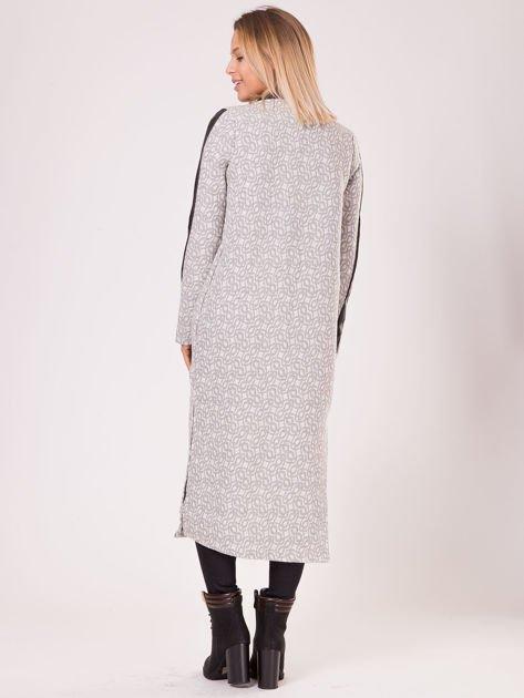 Szary długi płaszcz ze skórzanymi wstawkami                               zdj.                              2