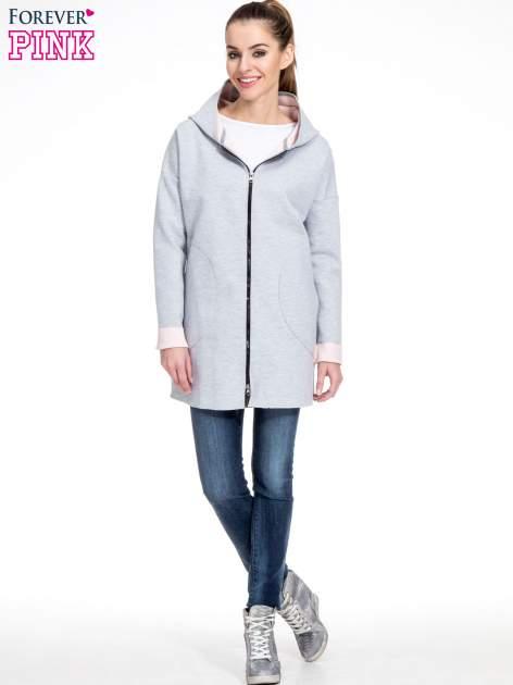 Szary dresowy płaszcz oversize z różową podszewką                                  zdj.                                  2
